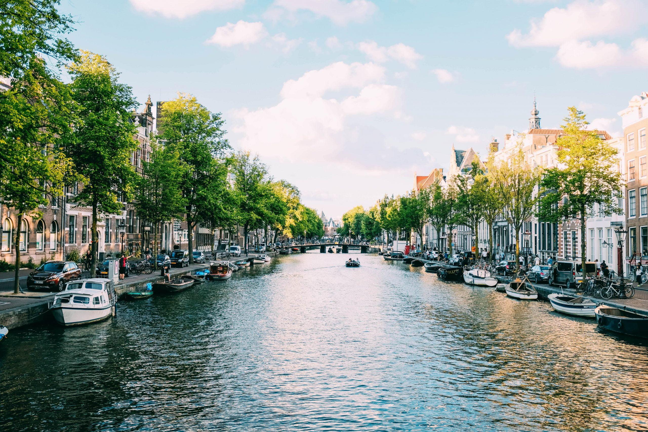 Bootjes op de Amsterdamse grachten